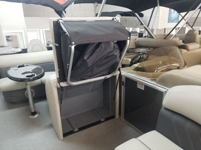 2021 Sylvan boat for sale, model of the boat is 8522MirageCNF & Image # 4 of 10