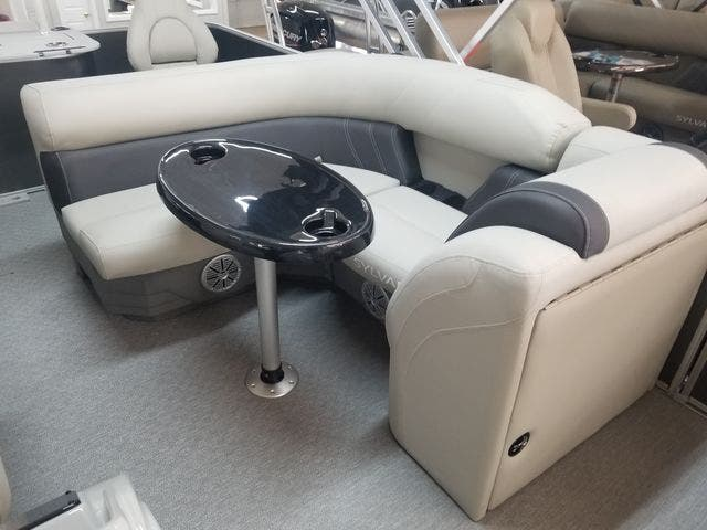 2021 Sylvan boat for sale, model of the boat is 8522MirageCNF & Image # 7 of 10