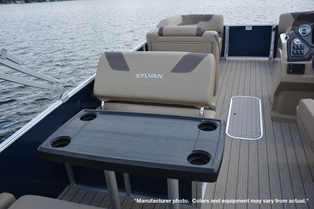 2021 Sylvan boat for sale, model of the boat is L1DLZ & Image # 5 of 23