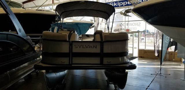 2021 Sylvan boat for sale, model of the boat is L3DLZ & Image # 4 of 17