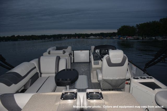2021 Sylvan boat for sale, model of the boat is L3DLZBarTT & Image # 4 of 26