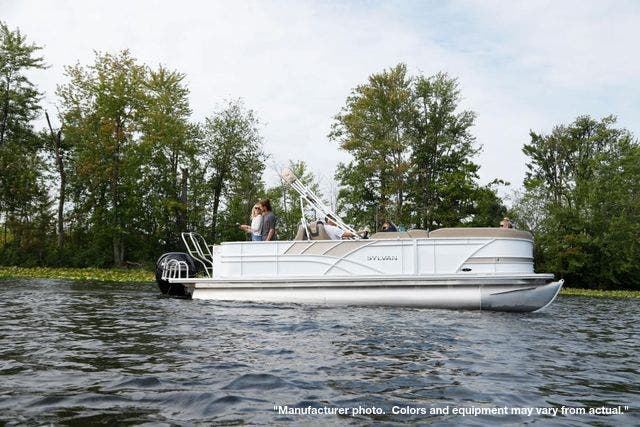 2021 Sylvan boat for sale, model of the boat is L3PF & Image # 4 of 7