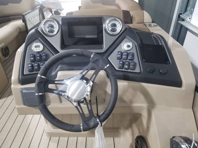 2021 Sylvan boat for sale, model of the boat is L5DLZ & Image # 7 of 16