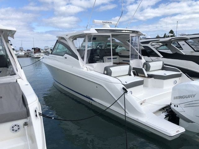2021 Tiara Yachts boat for sale, model of the boat is 38LX & Image # 7 of 37