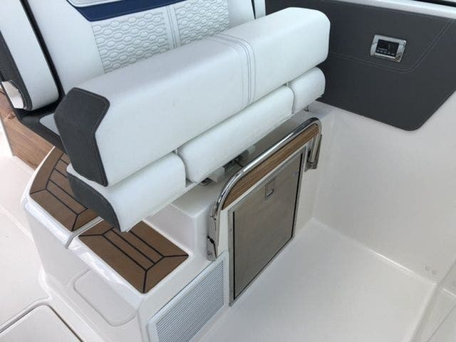 2021 Tiara Yachts boat for sale, model of the boat is 38LX & Image # 32 of 37