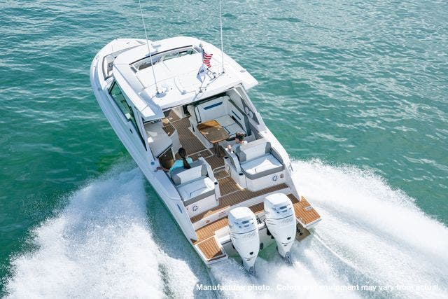 2021 Tiara Yachts boat for sale, model of the boat is 34LX & Image # 11 of 15