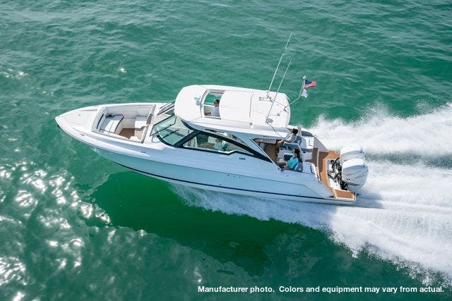 2021 Tiara Yachts boat for sale, model of the boat is 34LX & Image # 12 of 15