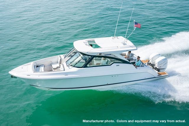 2021 Tiara Yachts boat for sale, model of the boat is 34LX & Image # 13 of 15