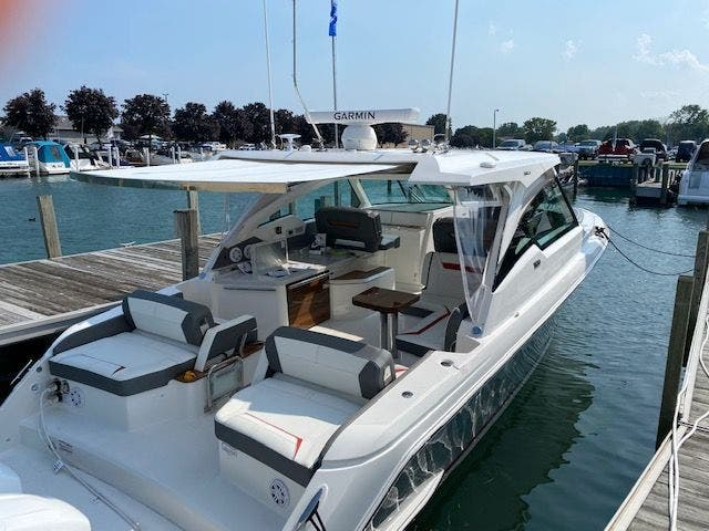 2021 Tiara Yachts boat for sale, model of the boat is 38LX & Image # 5 of 11