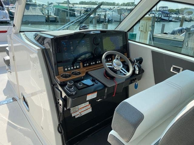 2021 Tiara Yachts boat for sale, model of the boat is 38LX & Image # 8 of 11