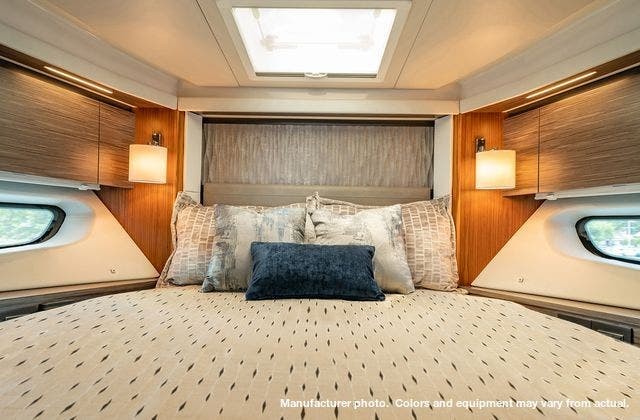 2021 Tiara Yachts boat for sale, model of the boat is 49Coupe & Image # 12 of 17