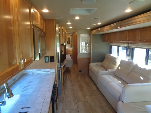 2021 Tiffin Allegro Red 340 38 LL Thumbnail