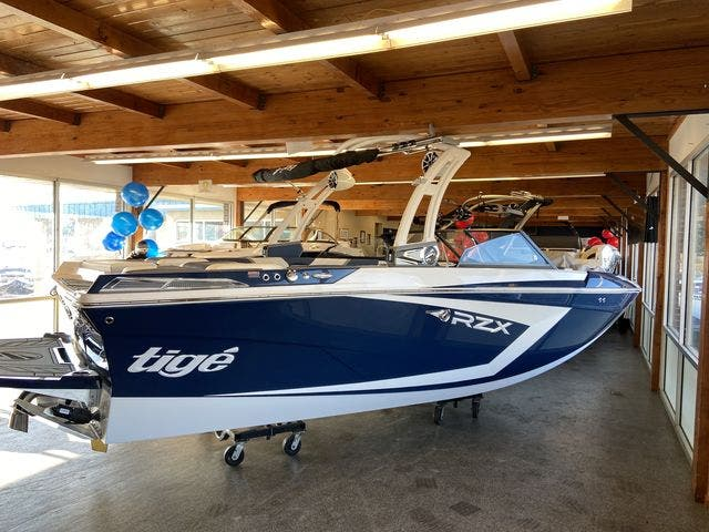 2021 Tige boat for sale, model of the boat is 20-RZX & Image # 3 of 12