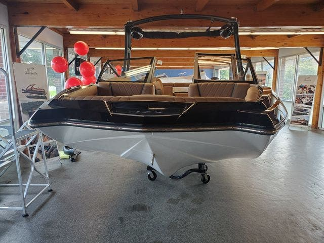 2021 Tige boat for sale, model of the boat is 20-RZX & Image # 5 of 17