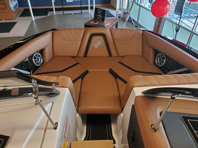 2021 Tige boat for sale, model of the boat is 20-RZX & Image # 13 of 17