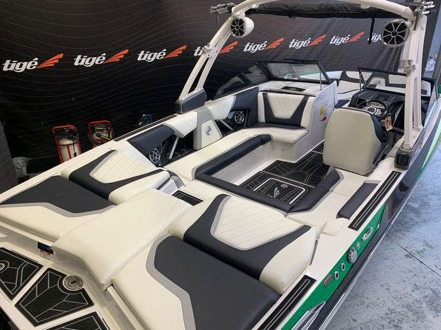 2021 Tige boat for sale, model of the boat is 22-RZX & Image # 3 of 4