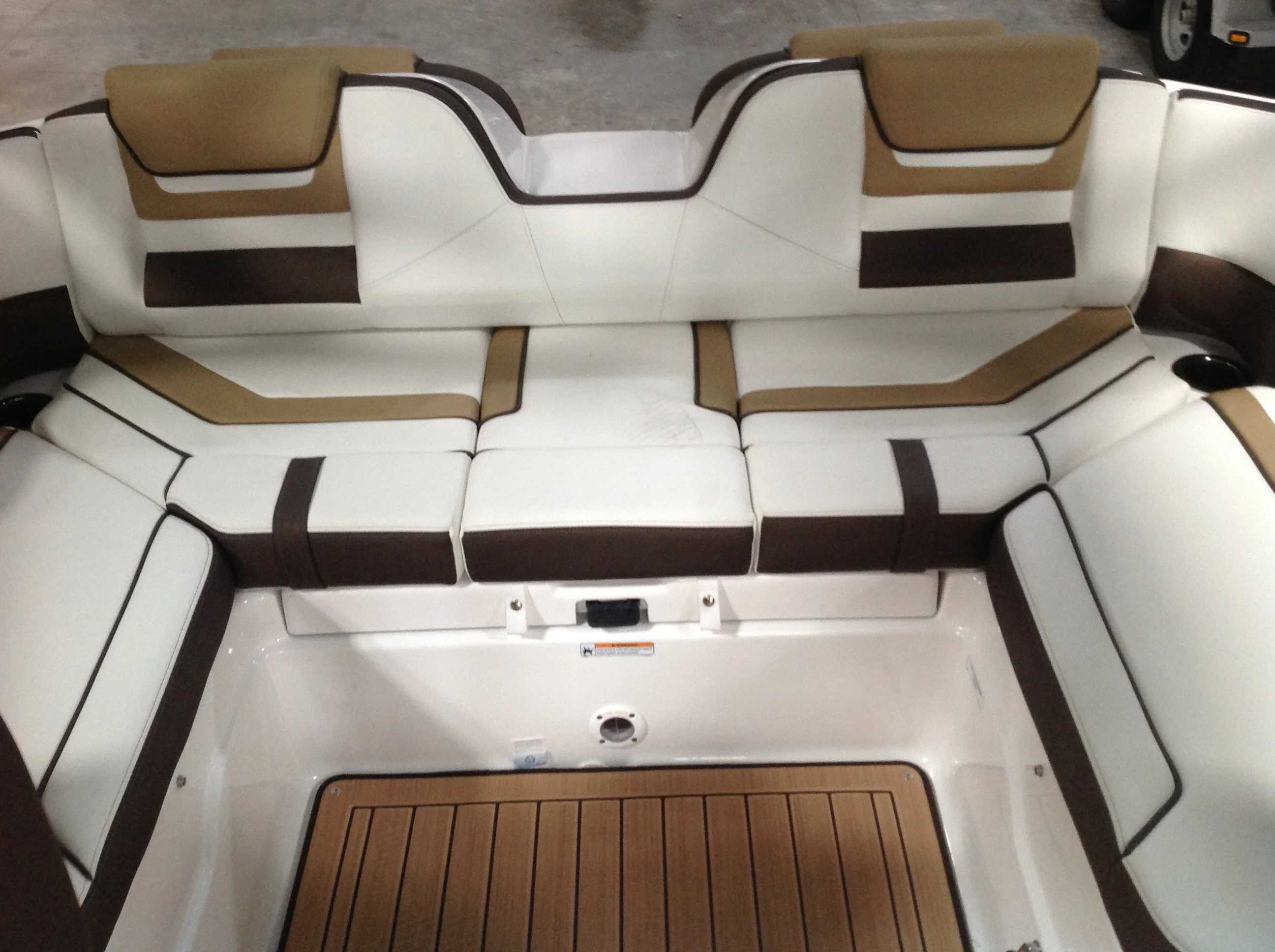 2021 Yamaha boat for sale, model of the boat is 212S & Image # 8 of 10