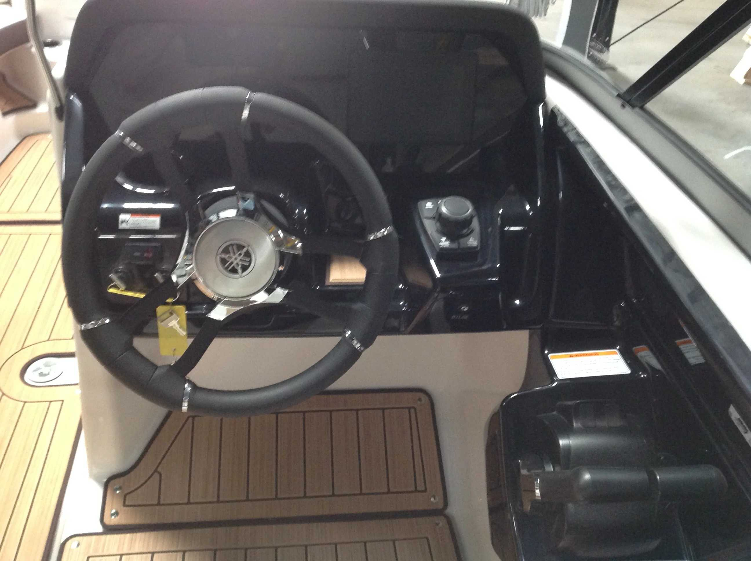 2021 Yamaha boat for sale, model of the boat is 212S & Image # 6 of 10