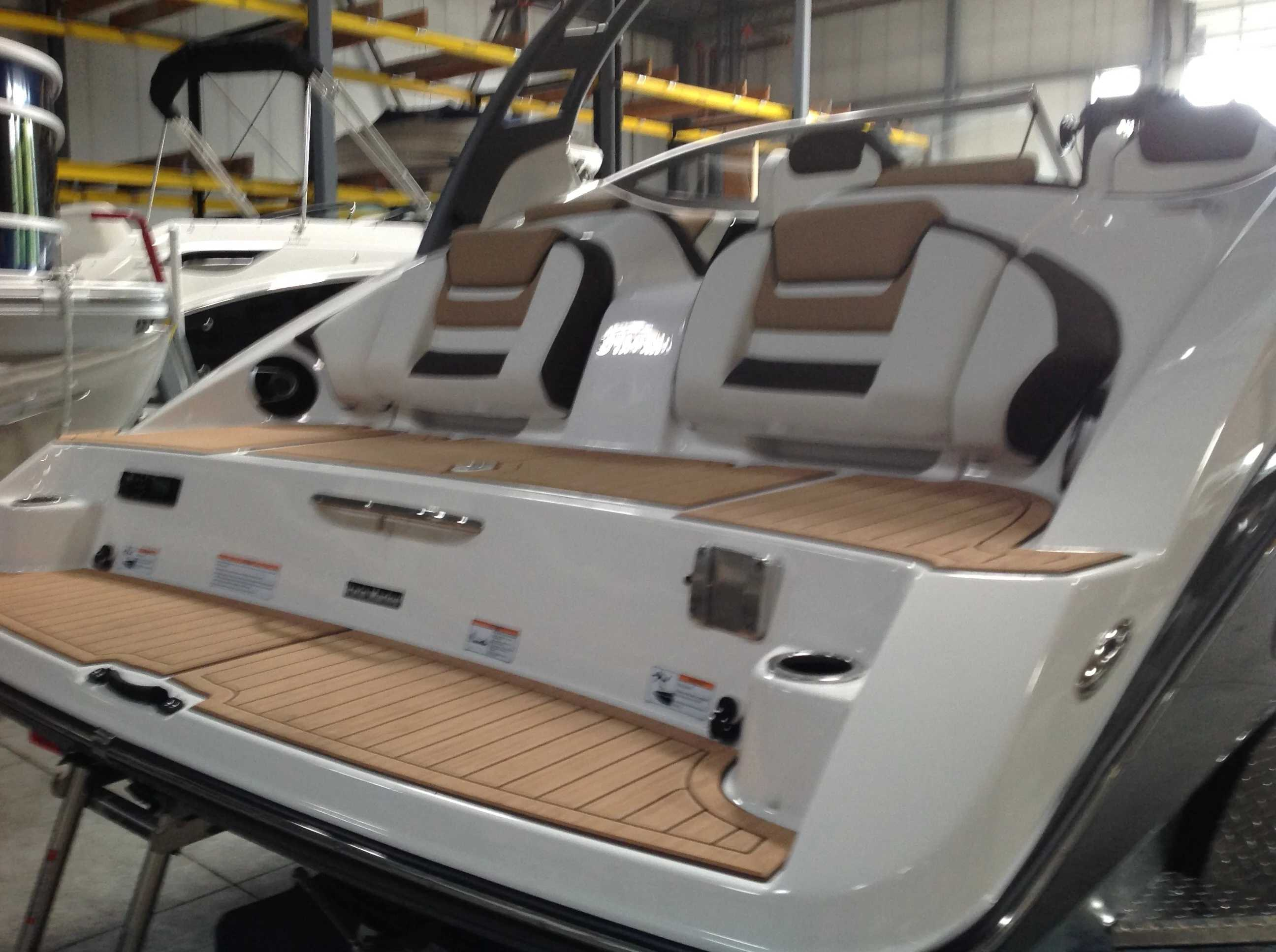 2021 Yamaha boat for sale, model of the boat is 212S & Image # 9 of 10