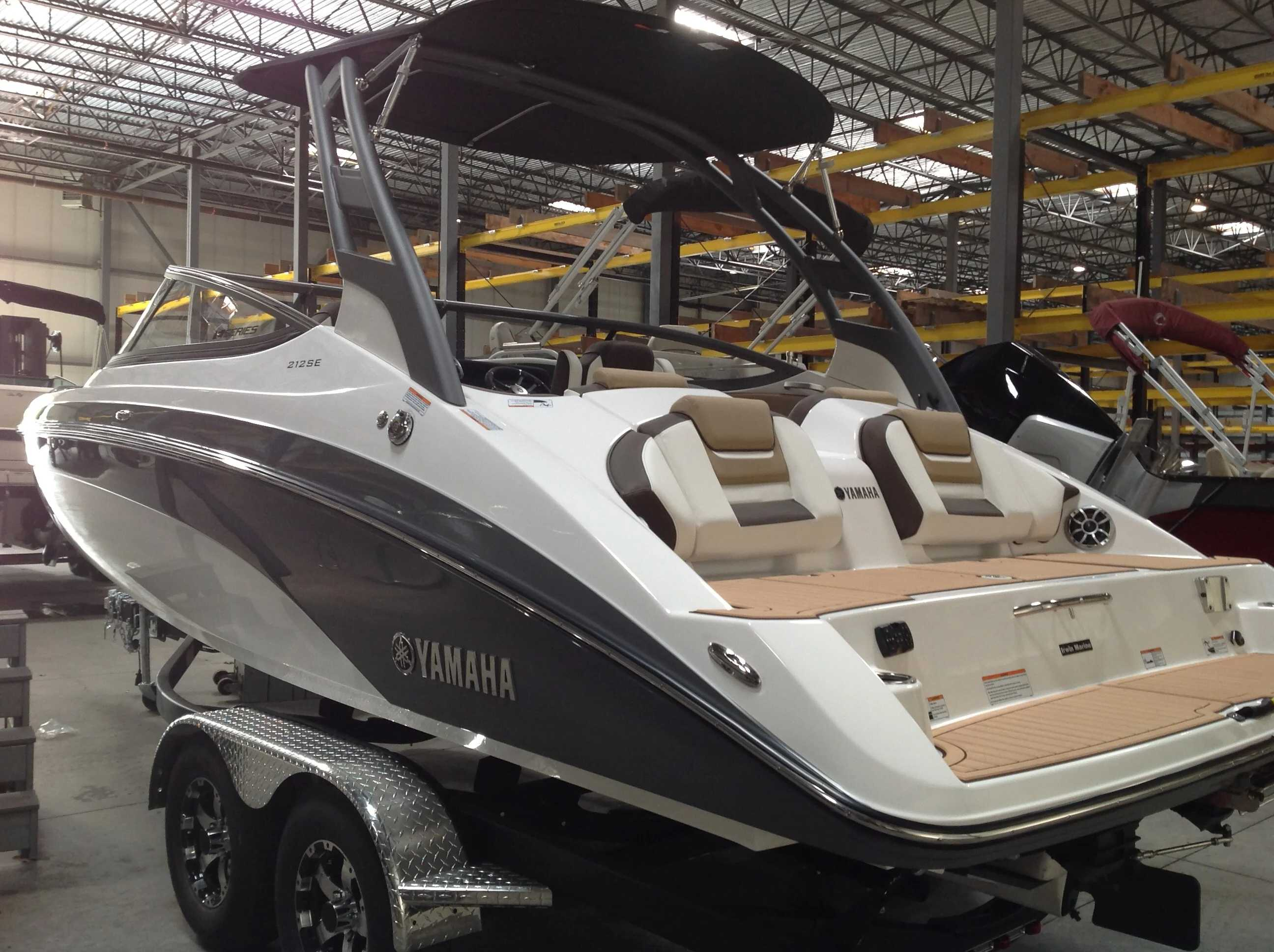 2021 Yamaha boat for sale, model of the boat is 212 & Image # 3 of 15