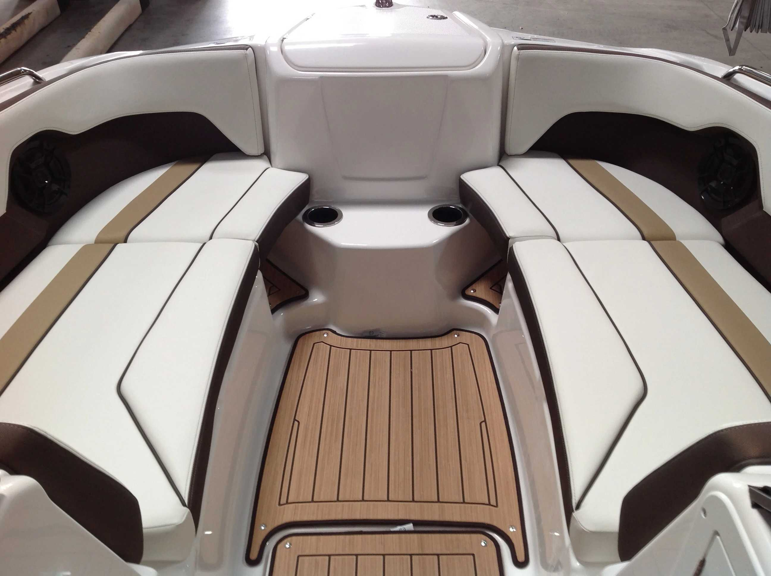 2021 Yamaha boat for sale, model of the boat is 212 & Image # 4 of 15