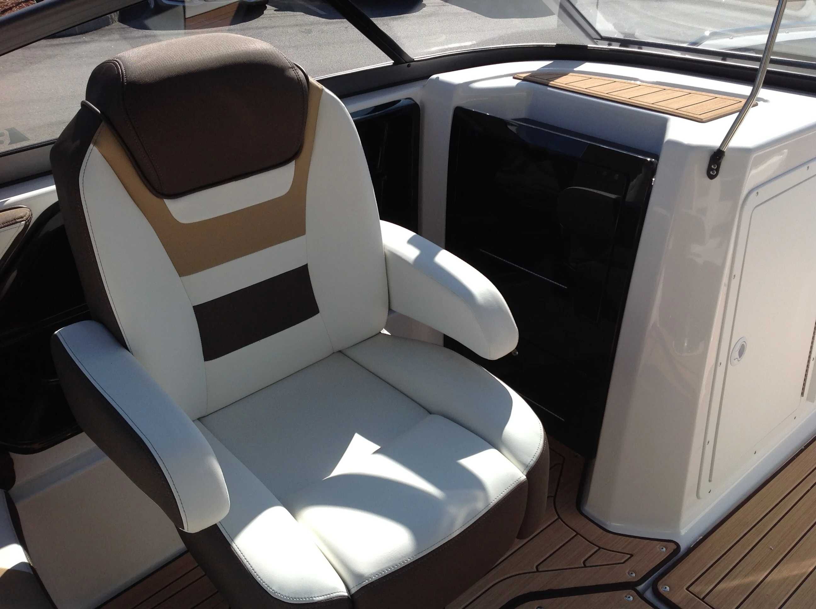 2021 Yamaha boat for sale, model of the boat is 212 & Image # 9 of 15
