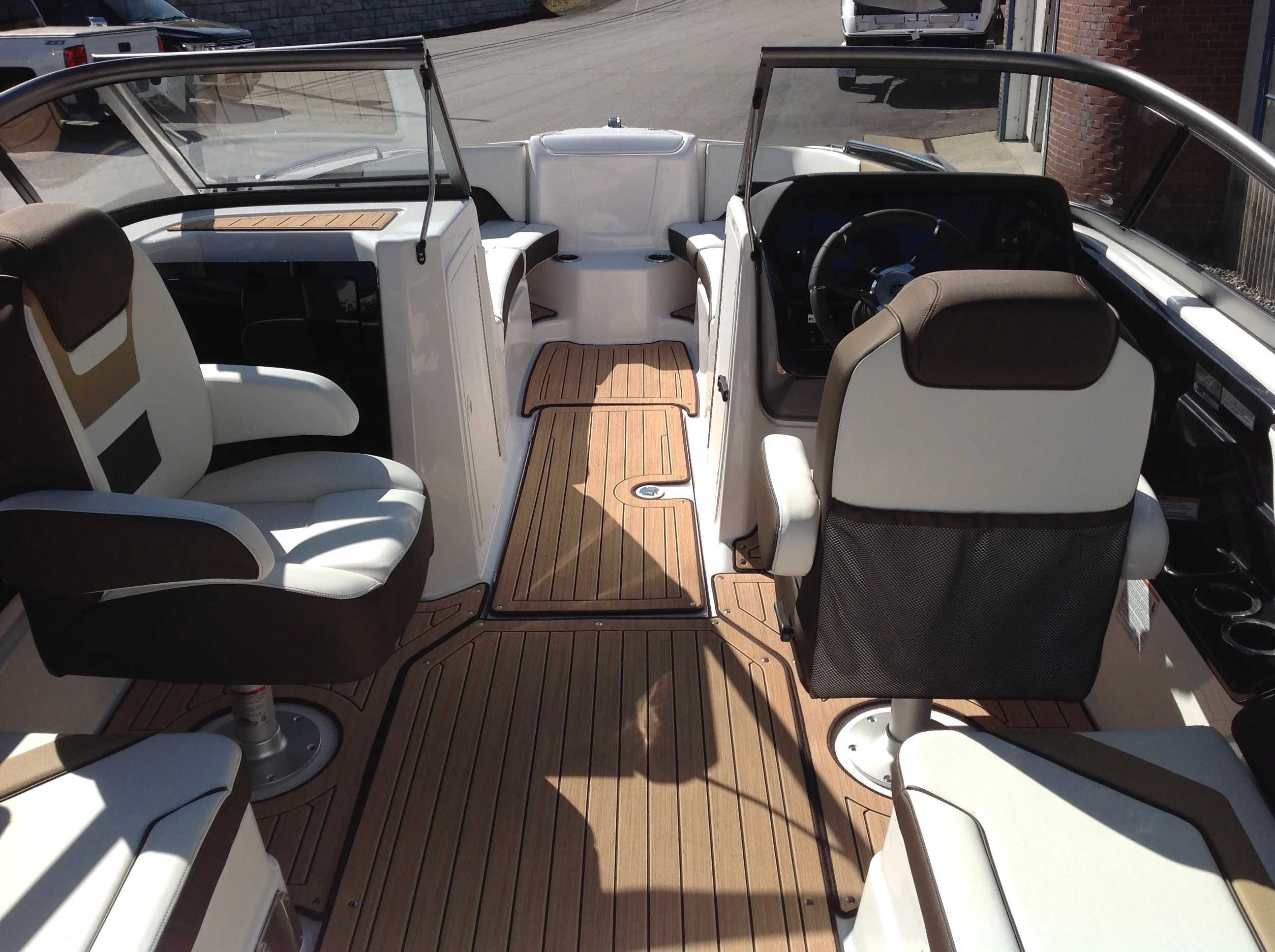 2021 Yamaha boat for sale, model of the boat is 212se & Image # 12 of 14