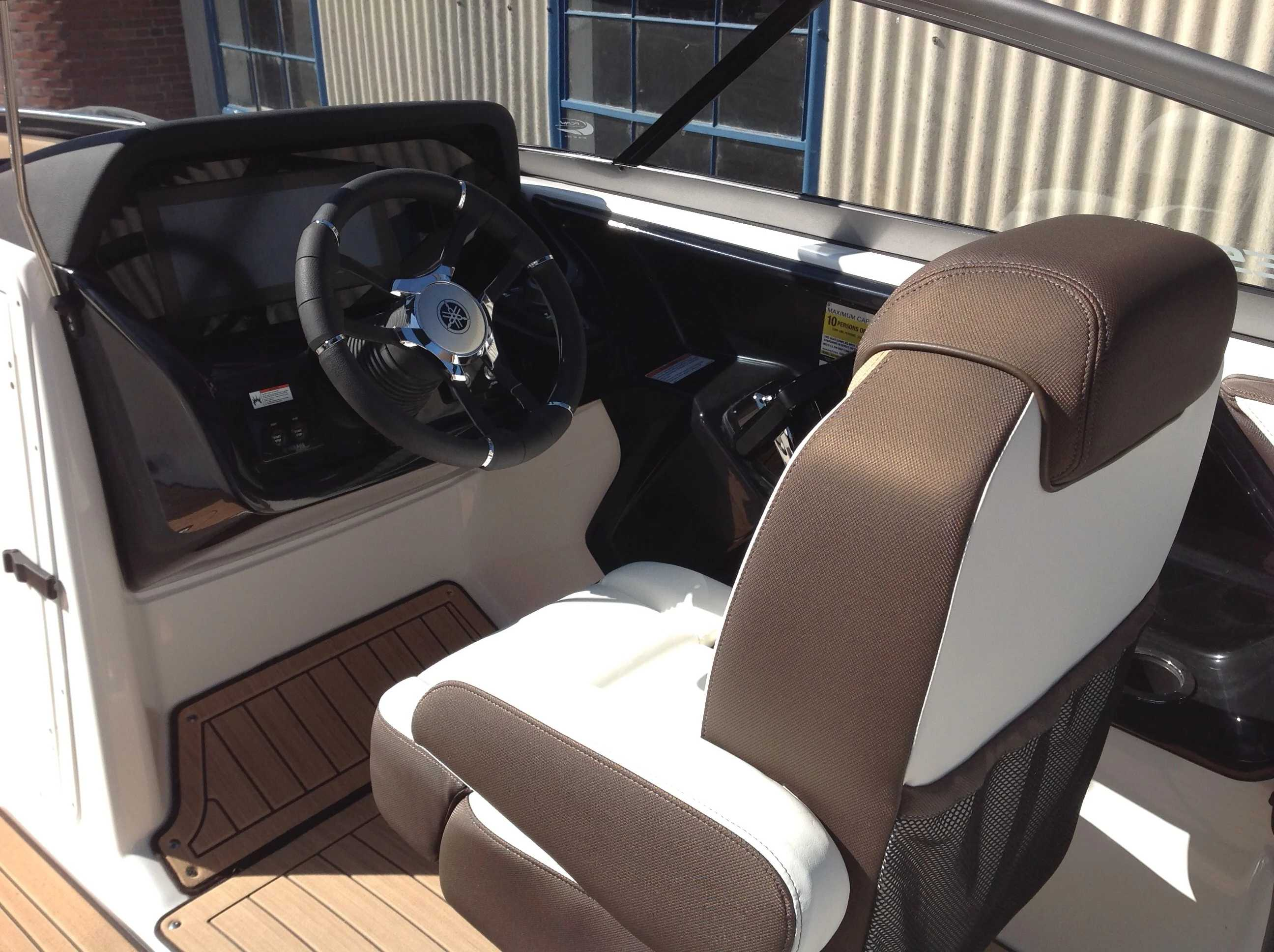 2021 Yamaha boat for sale, model of the boat is 212se & Image # 7 of 14