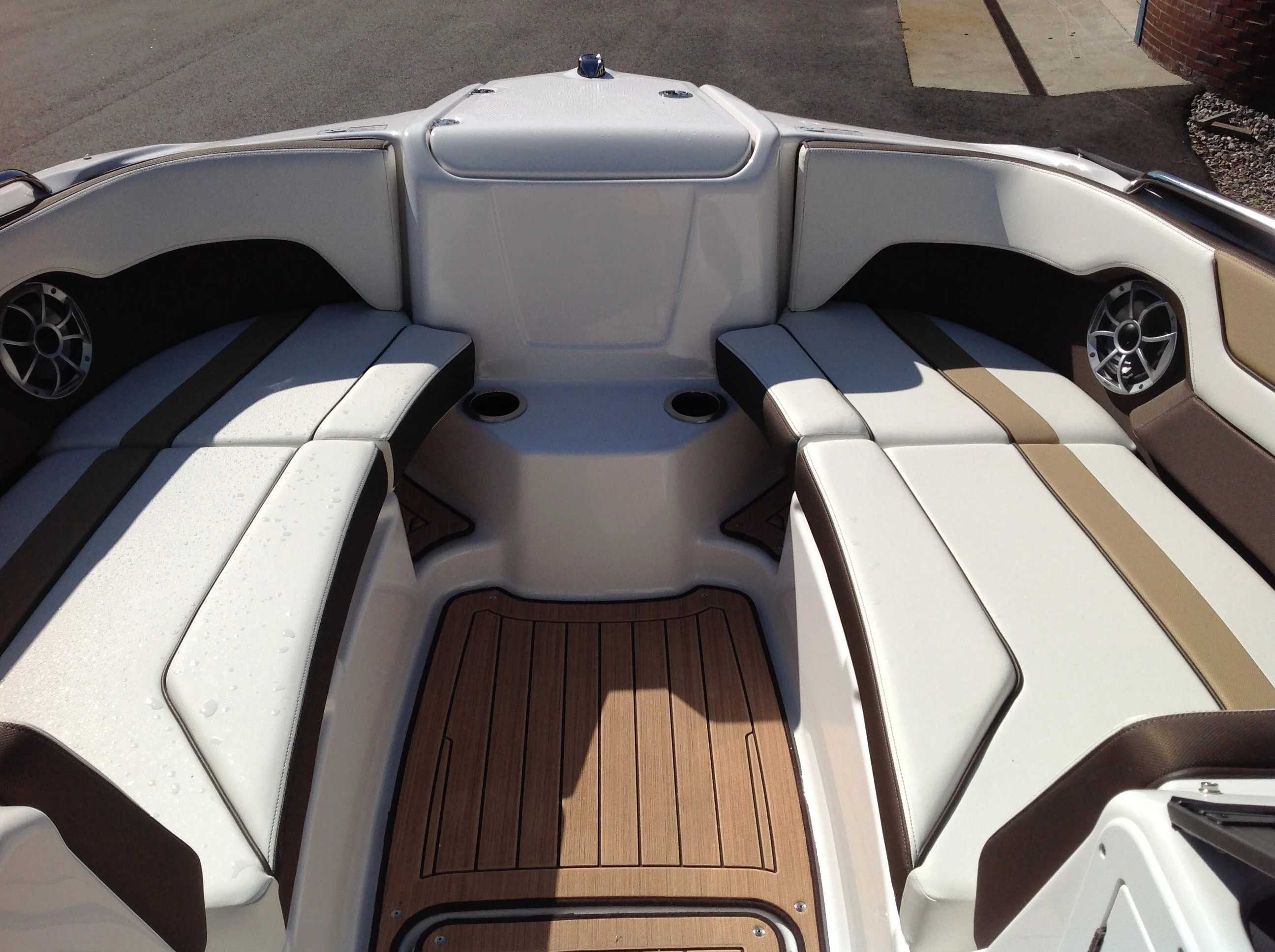2021 Yamaha boat for sale, model of the boat is 212se & Image # 5 of 14