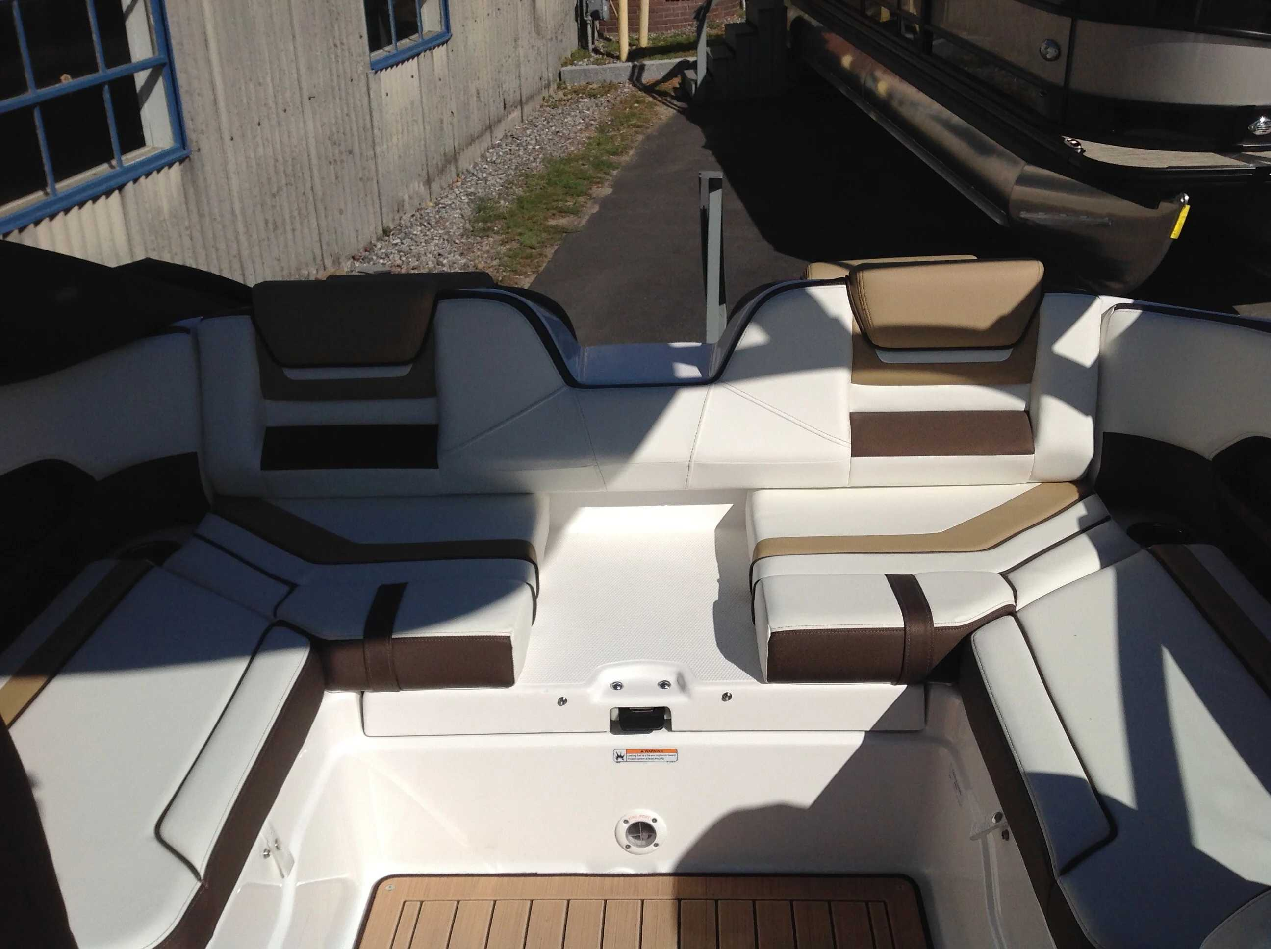 2021 Yamaha boat for sale, model of the boat is 212se & Image # 10 of 14