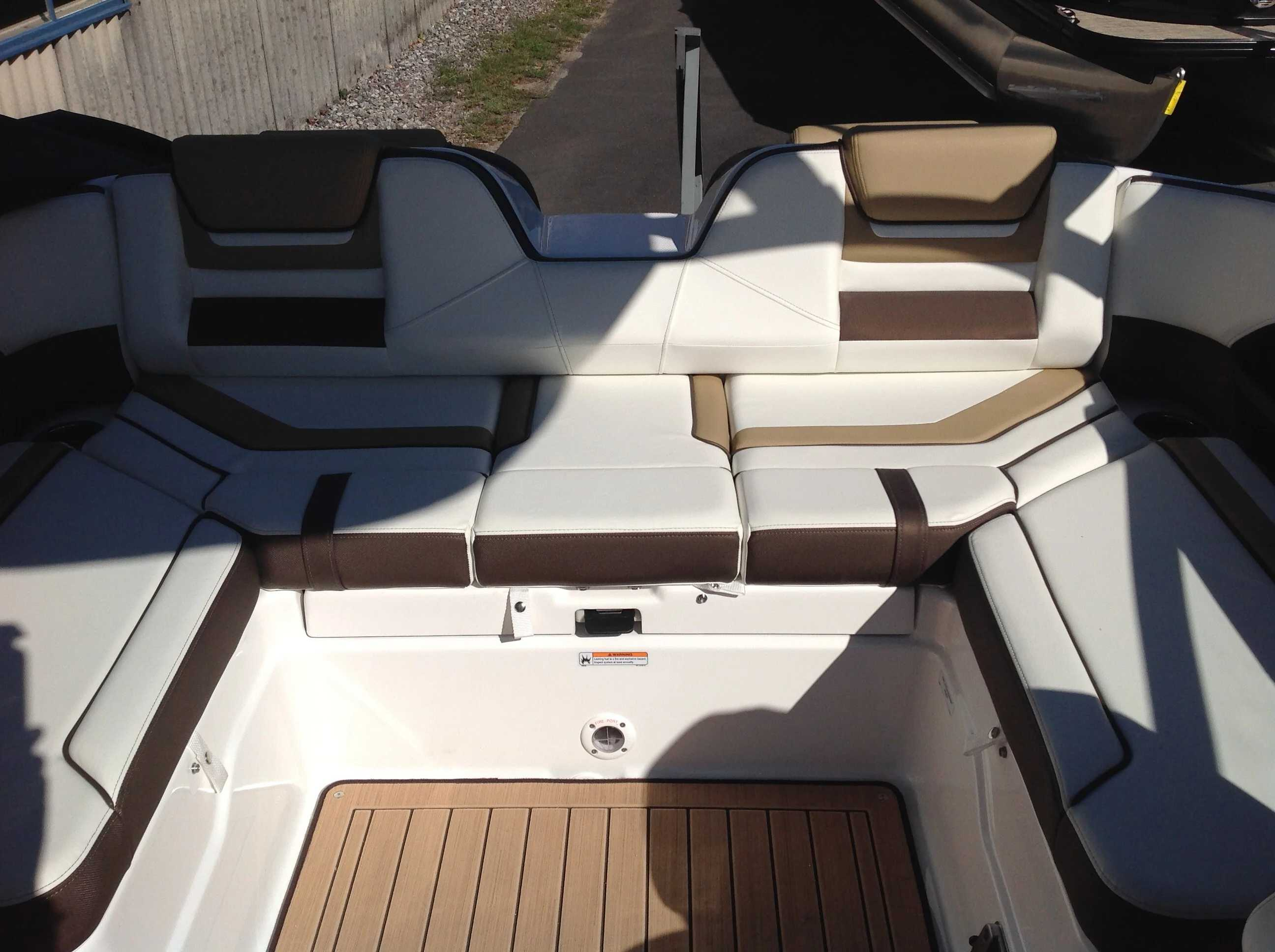 2021 Yamaha boat for sale, model of the boat is 212se & Image # 11 of 14