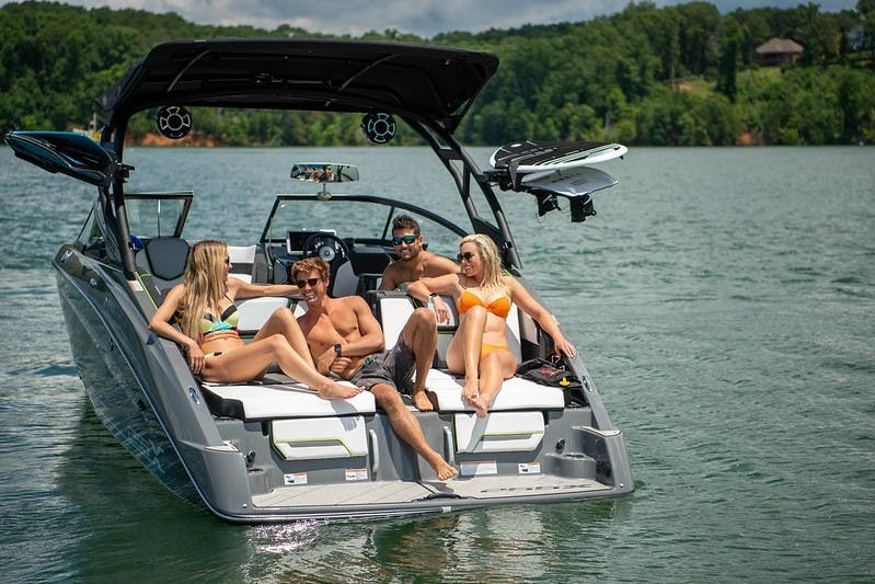 2021 Yamaha boat for sale, model of the boat is 255XD & Image # 5 of 21