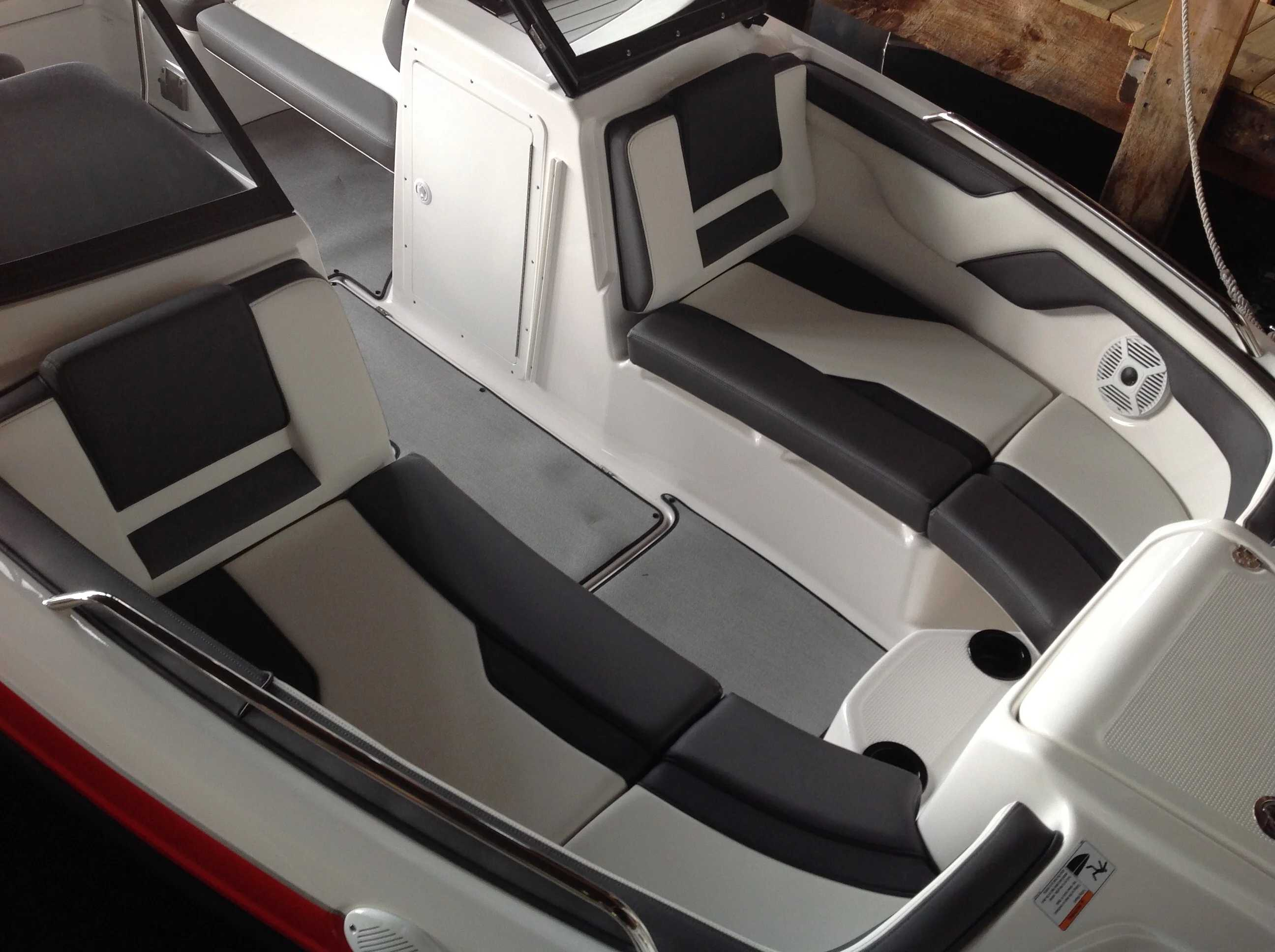 2021 Yamaha boat for sale, model of the boat is Ar210 & Image # 8 of 12
