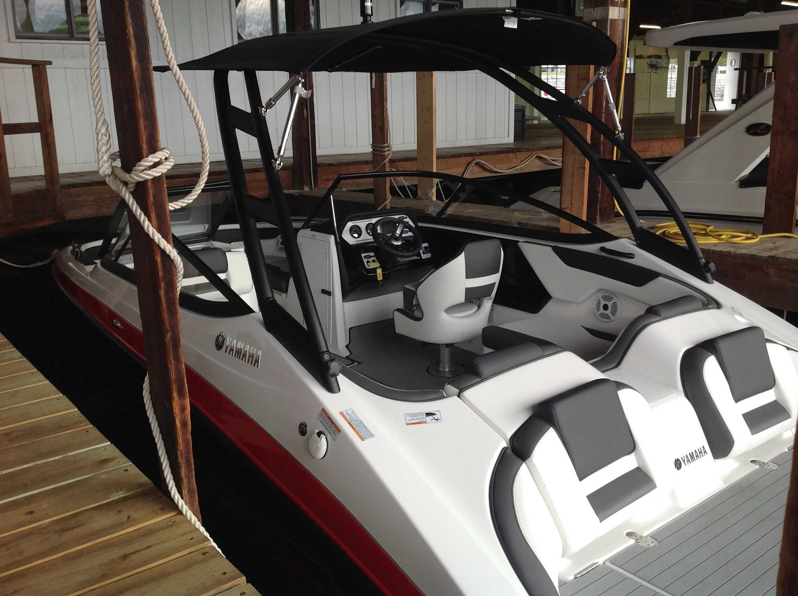 2021 Yamaha boat for sale, model of the boat is Ar210 & Image # 10 of 12