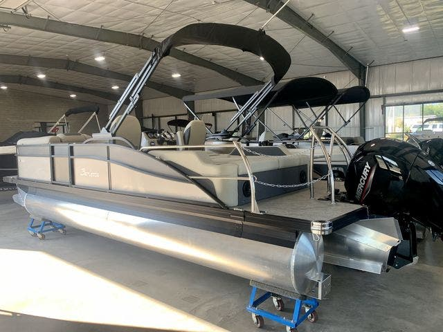 2022 Barletta boat for sale, model of the boat is C22UCTT & Image # 4 of 26