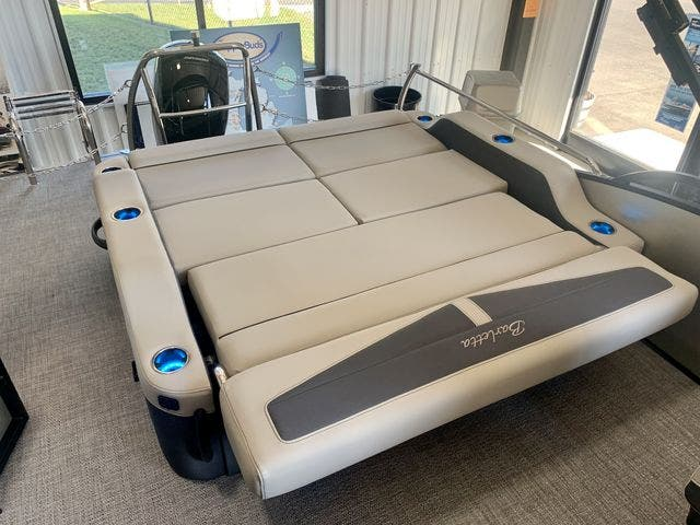 2022 Barletta boat for sale, model of the boat is C22UCTT & Image # 13 of 26
