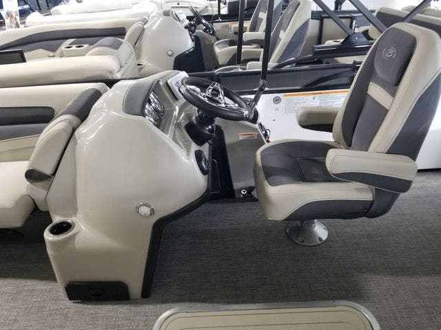 2022 Barletta boat for sale, model of the boat is C22UCTT & Image # 7 of 18