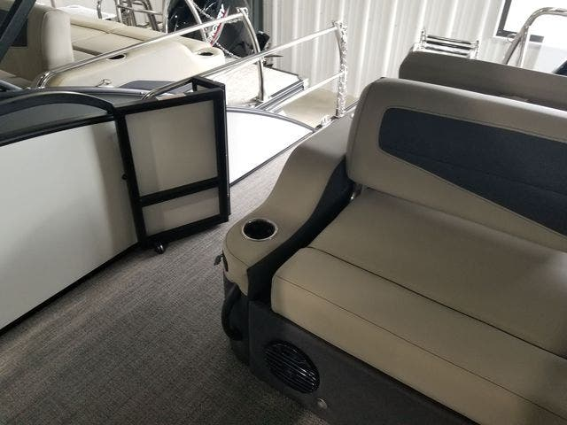2022 Barletta boat for sale, model of the boat is C22UCTT & Image # 11 of 18