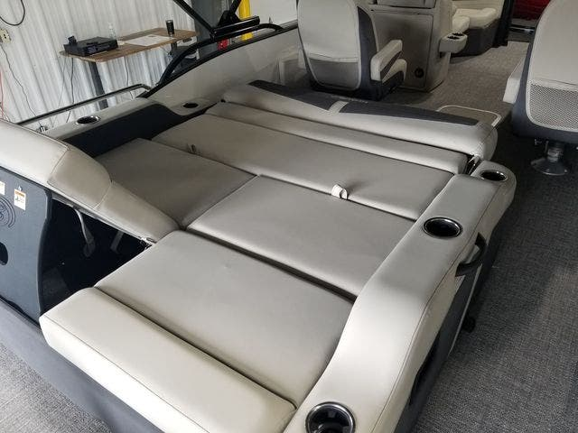2022 Barletta boat for sale, model of the boat is C22UCTT & Image # 13 of 18