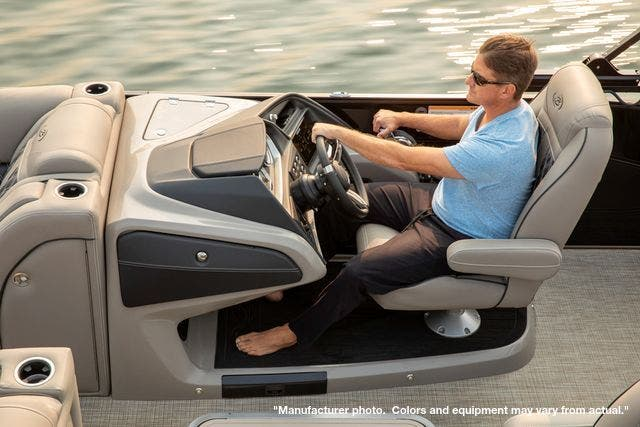 2022 Barletta boat for sale, model of the boat is L23UCTT & Image # 4 of 5