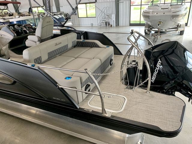 2022 Barletta boat for sale, model of the boat is L23UCTT & Image # 7 of 38