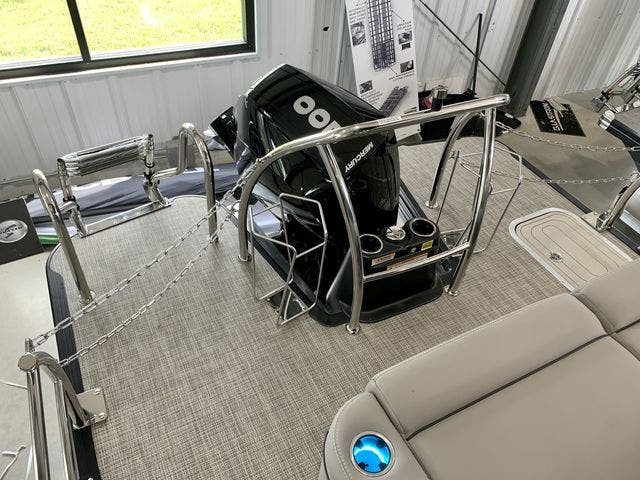 2022 Barletta boat for sale, model of the boat is L23UCTT & Image # 15 of 38