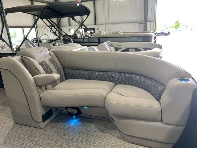 2022 Barletta boat for sale, model of the boat is L23UCTT & Image # 32 of 38