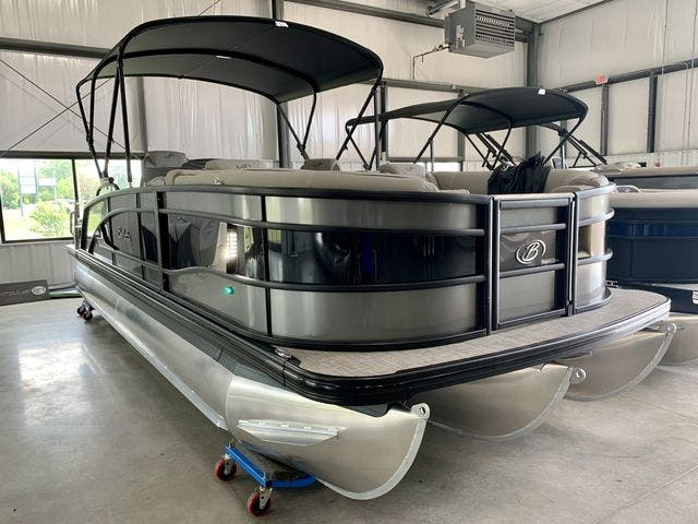 2022 Barletta boat for sale, model of the boat is L23UCTT & Image # 33 of 38