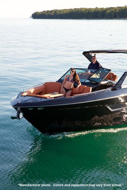 2022 Cruisers Yachts boat for sale, model of the boat is 390EXPRESSCOUPE & Image # 3 of 11