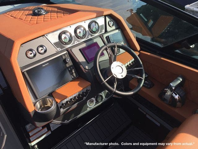 2022 Cruisers Yachts boat for sale, model of the boat is 390EXPRESSCOUPE & Image # 7 of 11