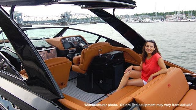2022 Cruisers Yachts boat for sale, model of the boat is 390EXPRESSCOUPE & Image # 8 of 11
