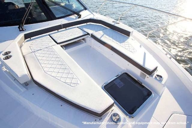2022 Cruisers Yachts boat for sale, model of the boat is 50CANTIUS & Image # 6 of 32