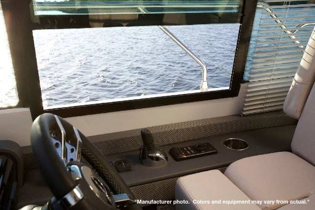 2022 Cruisers Yachts boat for sale, model of the boat is 50CANTIUS & Image # 7 of 32
