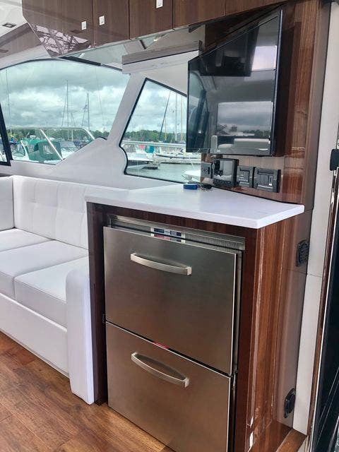 2022 Cruisers Yachts boat for sale, model of the boat is 50CANTIUS & Image # 21 of 48